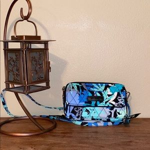 Vera Bradley camofloral wallet crossbody